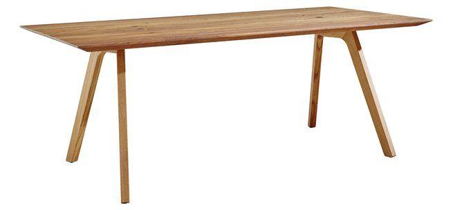 Der schmale fast grazil wirkende Esstisch aus dem Programm Natura Rhode Island wurde aus Eiche Altholz hergestellt.