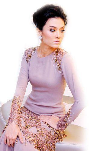 purple creamy baju kurung