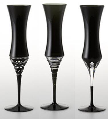 black champagne flutes <3