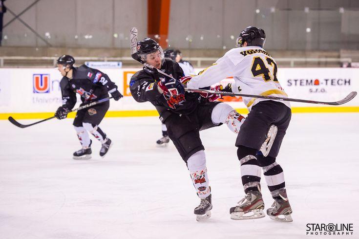 Hokejový zápas medzi Paneuropa Kings a Masaryk University #paneuropakings #euhl #hokej #icehockey #collegehockey #hcmuni