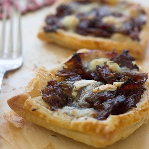 Caramelised Red Onion, Bacon & Goats Cheese Tartlets - Caramelised Onion Tartlets made with red onions, puff pastry, bacon and goats cheese. So easy & so delicious! A perfect appetizer!
