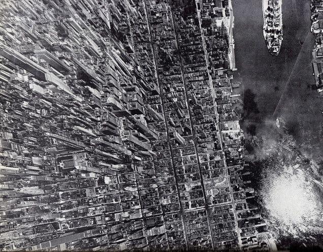 この空中写真、どこを撮影したものか分かります? 正解はマンハッタンのイーストリバーサイド。1944年に撮影されたものだそうです。 ちなみに、この写真はレム・コールハースの本のカバーにも使用されたんですよ。