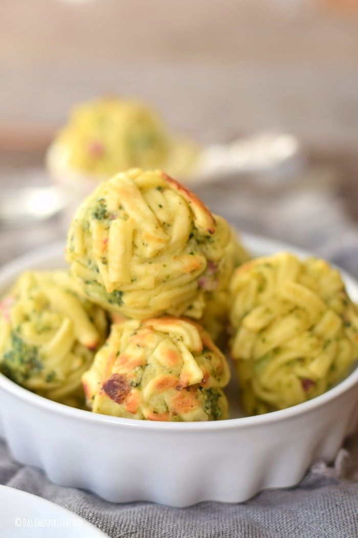 die besten 25 nudelauflauf mit brokkoli ideen auf pinterest gesunde rezepte mit brokkoli. Black Bedroom Furniture Sets. Home Design Ideas