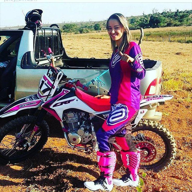 E essa é a @joicy_silvaa17 de Riacho Dos Machados MG  #girlmxbraap  Quer aparecer aqui? Marque nos ou mande sua foto ou vídeo por direct     #crf #crf230 #crf250 #ktm #yz #yamaha #honda #alpinestars #asw #kawasaki #kx #450 #motolife #motocross #mx #freest