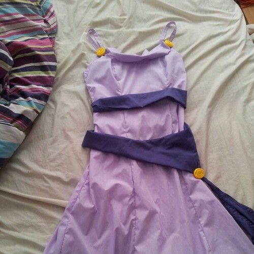 Disney Dress Tutorials & Inspiration http://happilygrim.blogspot.com/2013/08/disney-tutorials-for-not-so-grownups.html?m=1