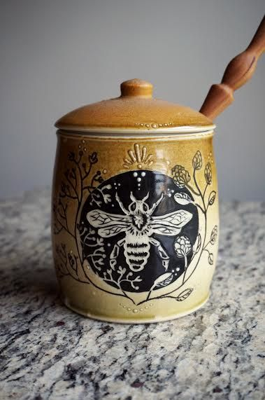 Excuse me while I drool over these pictures my girl Emerald took of the honeypot I made her! Thinking I need to hire her as my personal product photographer =)