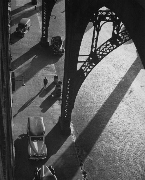 New York (1944). Photographer: André Kertész
