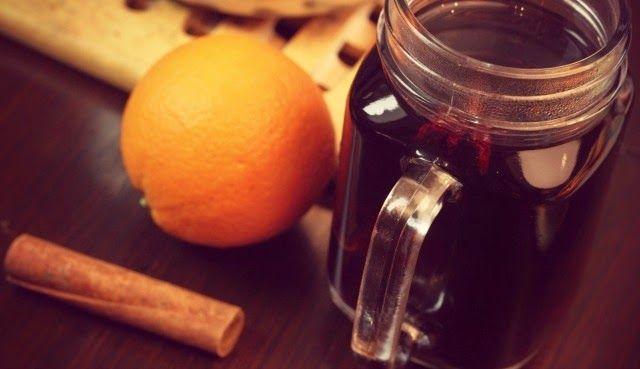 funnypilgrim: Rezept: Würziger Punsch   Rezept für 2-4 Tassen:      500 ml Traubensaft     500 ml schwarzer Johannisbeersaft     Schale einer Orange     2 Zimtstangen     5 Kardamomkapseln     3 Anissterne