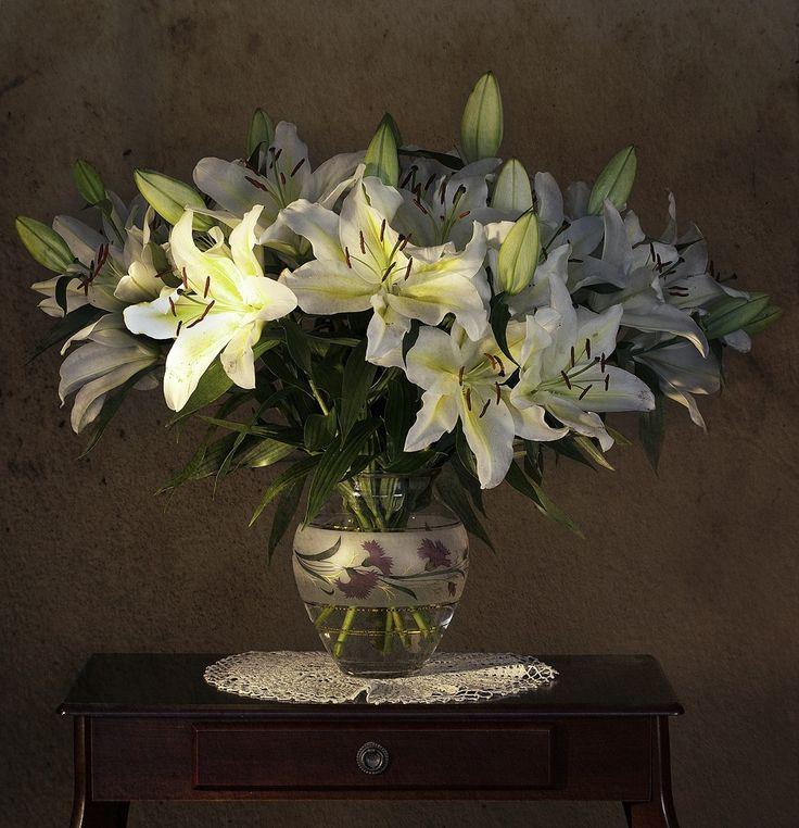Натюрморт с лилиями картинки
