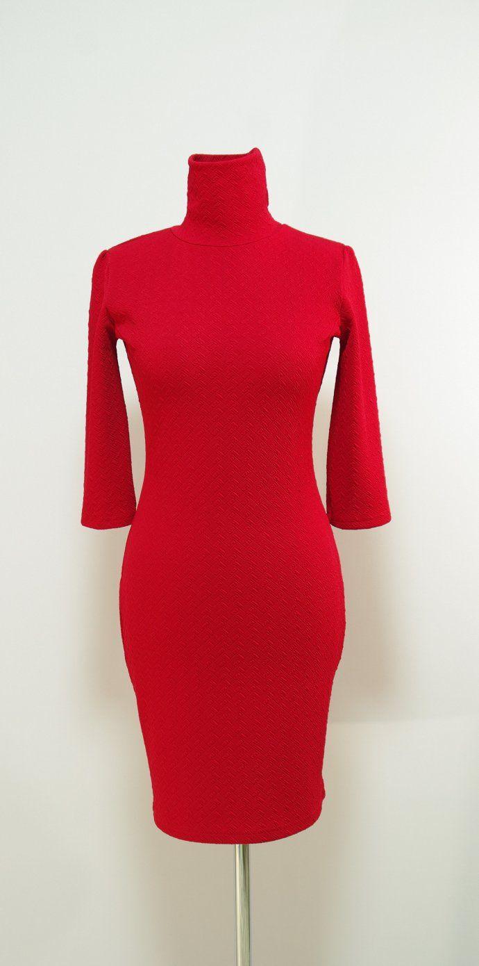 Красное платье-карандаш с высоким воротом-гольф | Платье-терапия от Юлии