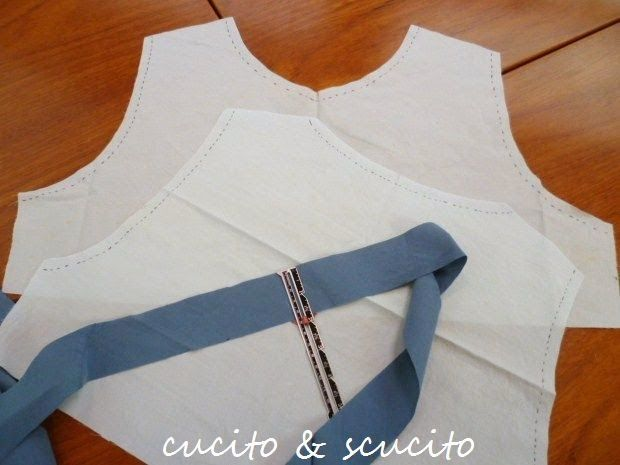 cucito & scucito: how to finish  neckline and armholes with bias 1