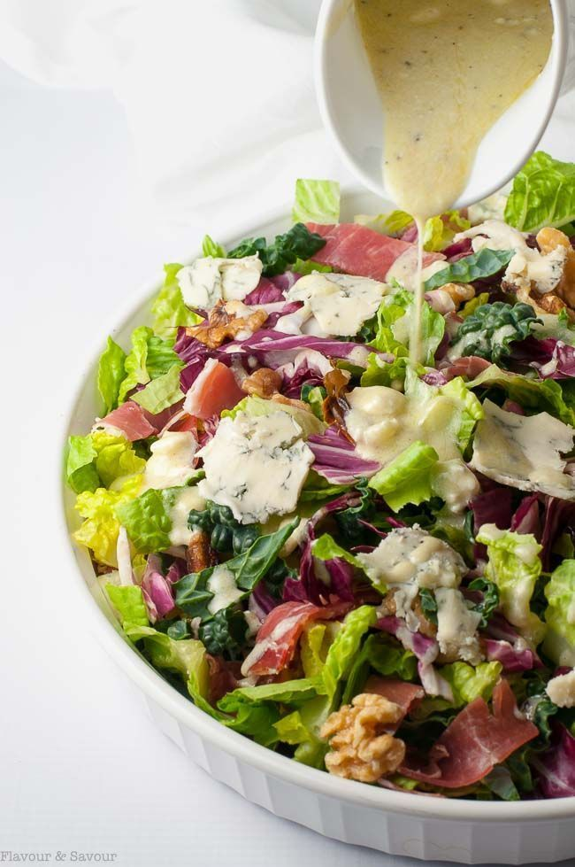 This Hearty Tuscan Salad has it all:  colour, crunch, and contrast. It's loaded with healthy greens and bold flavours from prosciutto, dates, walnuts and gorgonzola cheese. via /enessman/