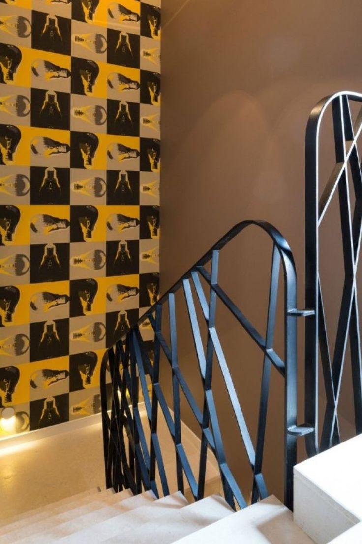 17 meilleures id es propos de cage d 39 escalier noire sur pinterest rampe noire escaliers. Black Bedroom Furniture Sets. Home Design Ideas