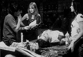 Griffin Dunne gives direction to Nicole Kidman and Sandra Bullock while Goran Visnjic dozes.