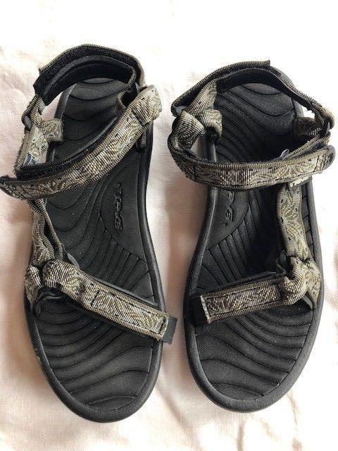 5772c81e440f EUC-Teva Sandals   Size 9  fashion  clothing  shoes  accessories   womensshoes  sandals  ad (ebay link)