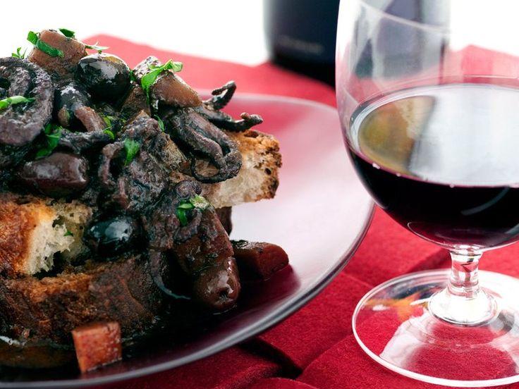 200907-r-octopus-red-wine.jpg