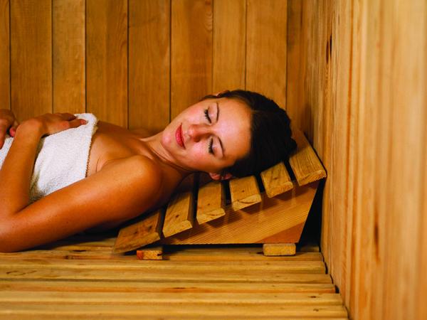 Health Benefits of a Sauna Versus a Steam Room