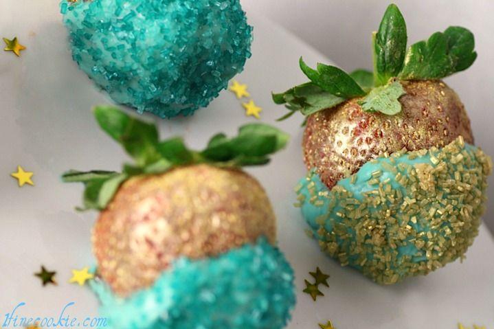 Cupcake-stuffed strawberries in Tiffany blue.