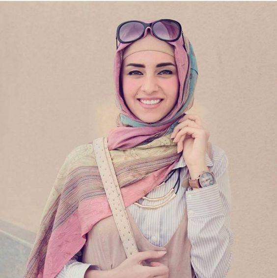 Iranian women fashion trend http://www.justtrendygirls.com/iranian-women-fashion-trend/
