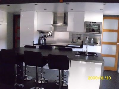 Ilot pratique et table de salle manger votre cuisine - Table de cuisine pratique ...