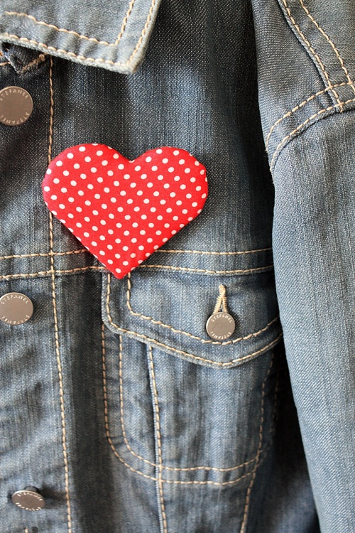 Polka dot love heart badge pin brooch