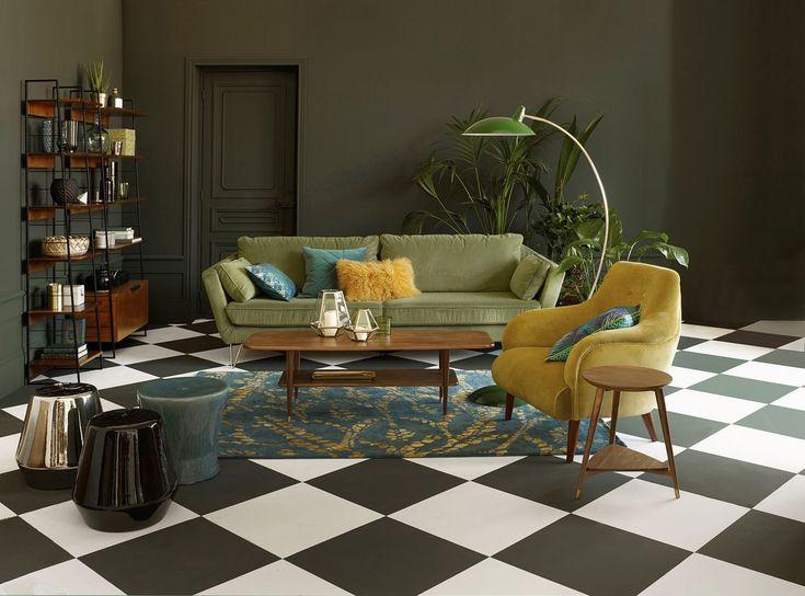 Les meubles en noyer font leur grand come back dans nos intérieurs. Buffet, table basse et table de repas se parent de cette matière sombre et alléchante.