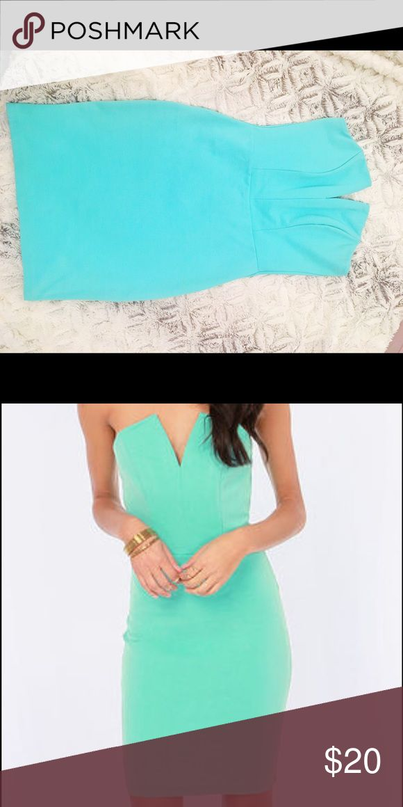 🍭Lulus Aqua Bodycon Dress🍭 Strapless Bodycon Dress from Lulu's. Worn once for a birthday dinner🎂. It was advertised as mint, but I personally thought it was more aqua than mint green🍬 So cute with nude strappy heels! Lulu's Dresses
