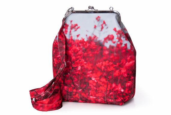 Hey, I found this really awesome Etsy listing at https://www.etsy.com/listing/194922719/handbag-metal-frame-bag-handbag-color