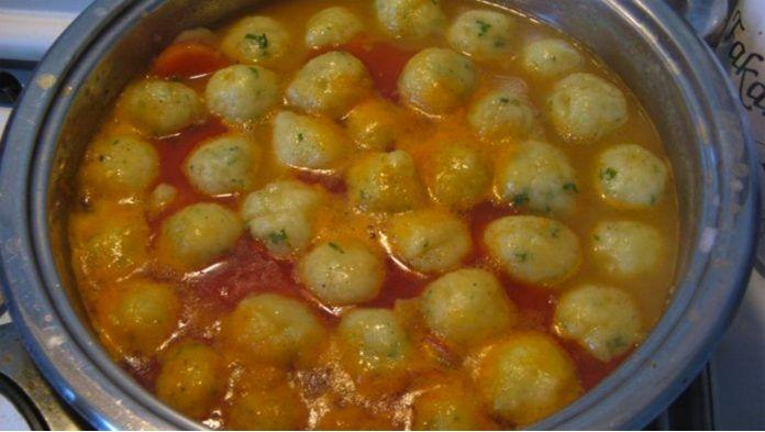 polievka so zemiakovými knedlíčkami