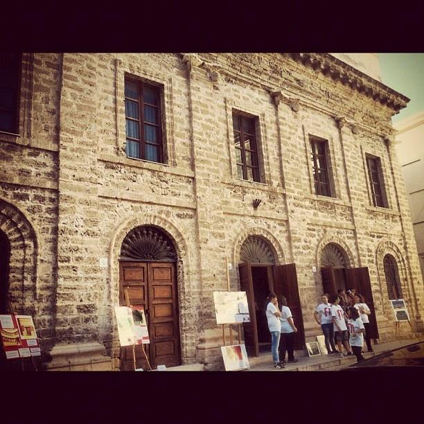La facciata del Teatro Civico di Alghero - @sardegna_marenostrum- #webstagram