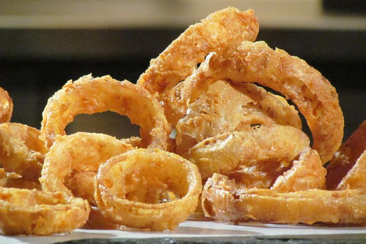 Come enjoy Cake Boss' Buddy's recipe for Buttermilk Onion Rings from The hit series Kitchen Boss from TLC.