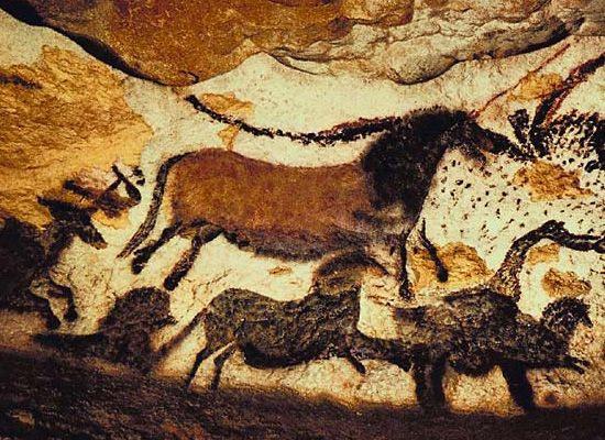 Cave Painting of Bulls and Horses. Lascaux Caves, France ...