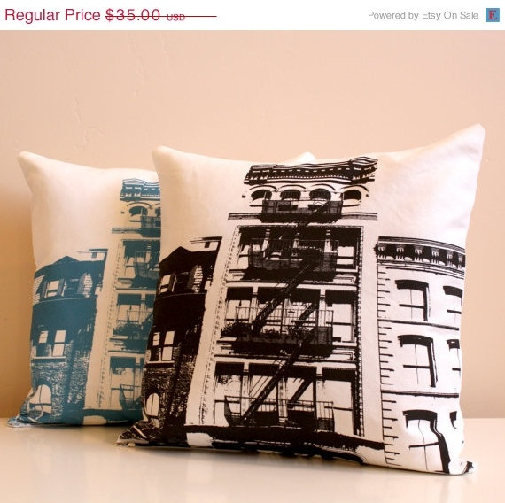 5 YEAR SALE New York City Pillow  Urban Throw Style by NestaHome, $31.50