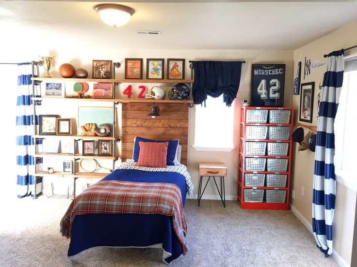 Vintage Sports Themed Bedroom   Ladyu0027s Little Loves Great Pictures