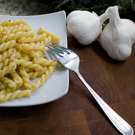 Buttery Garlic Pasta - As I get older, I am beginning to like very simple pasta dishes.