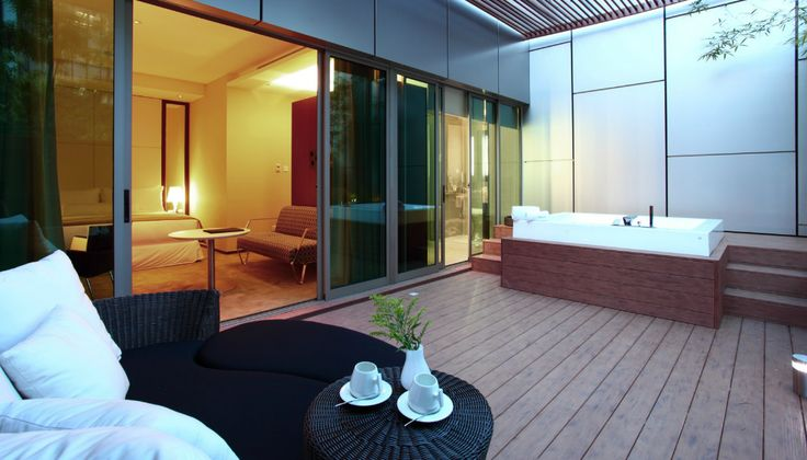 7 Ultra Luxurious Staycations You Can Do In Singapore For Less Than $300