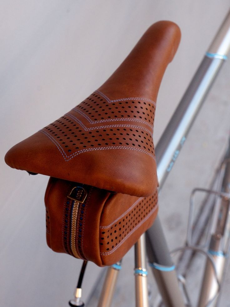 Custom Leather bike saddle-seats-carson-leh-copyright 2015-hand made-baseball stitched-saddlebag selle italia flite 3.jpg