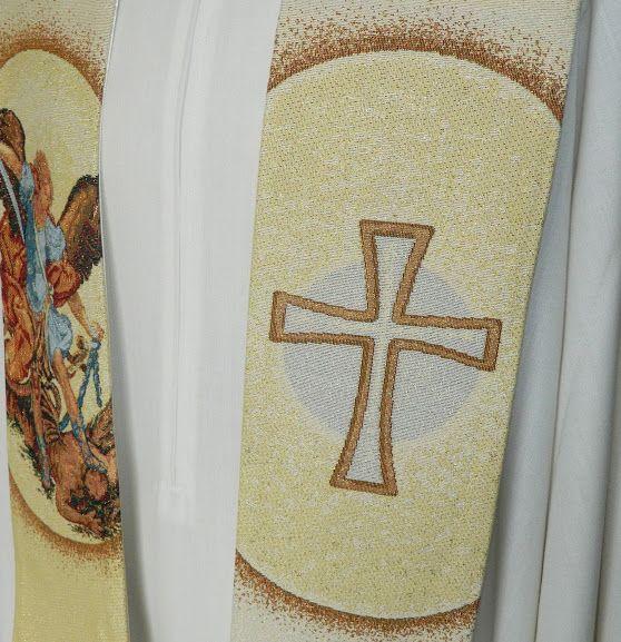 Estola con bordado de San Miguel Arcángel (4/4). http://www.articulosreligiososbrabander.es/estola-poliester-sacerdote-bordado-cruz-san-miguel.html