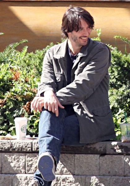 Keanu drinks Starbucks... Where have you been all my liiiiife?
