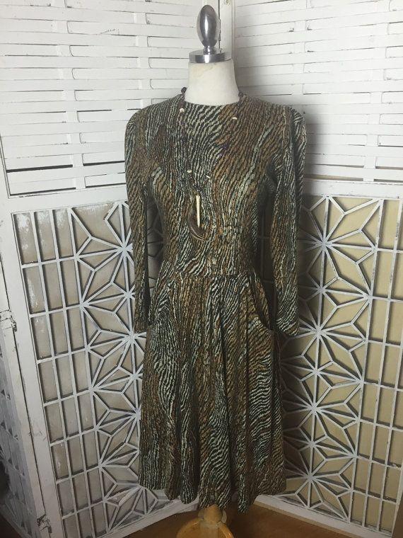 #VogueTeam #EtsyGift #EtsyRetwt #vintage 80s Tiger Print Dress - 80s vintage dress - animal print - winter dress - vintage fleece dress - hipster dress - boho dress