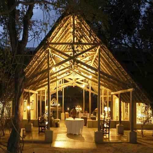 Thornybush Game Reserve. Sør Afrika. Her bodde vi i to netter. De har både telt og rom. Rommene var på ingen måte standard. Ekslusivt og  Eksotisk!