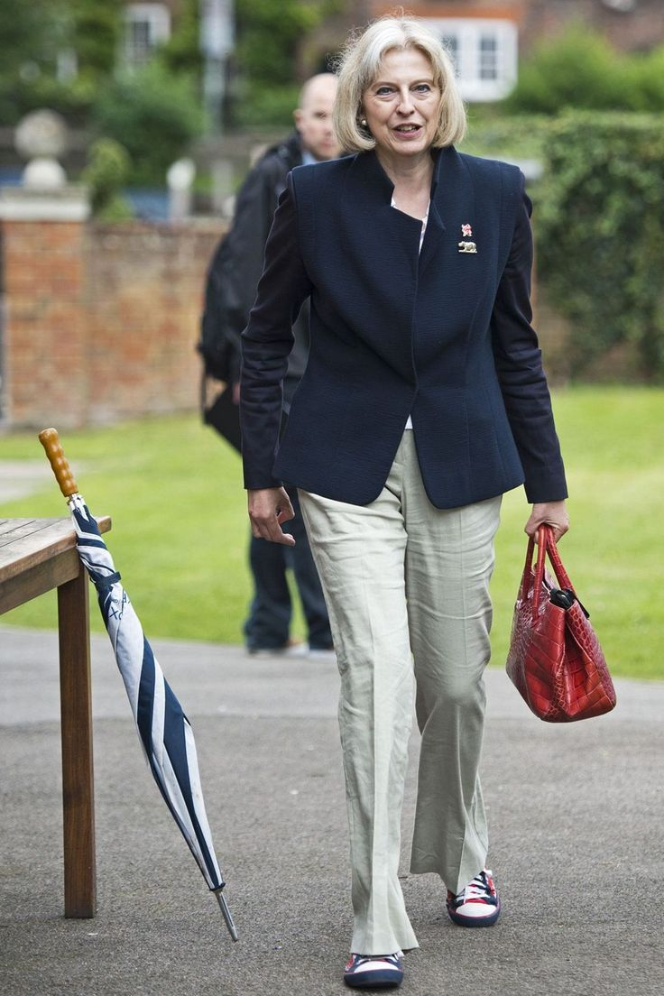 She attended the Homecoming Parade for the Team GB Olympic rowers on Henley on Thames in Oxford.