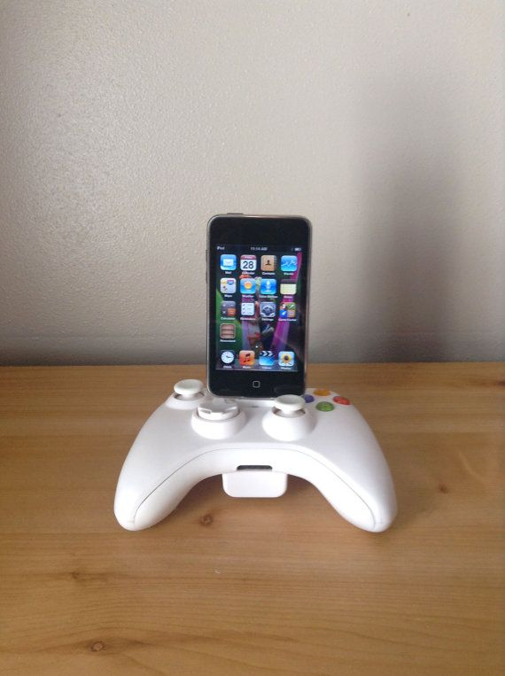 Microsoft Xbox 360 controller Ipod or Iphone 4 4S charger dock USB