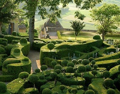 Gardens of Marqueyssac, France: Of Marqueyssac, Dreams Home, Gardens Hedges, Formal Gardens, Beautiful Gardens, Dreams Gardens, Fantasy Gardens, Dreams Yard, Butchart Gardens