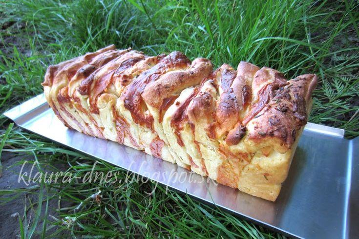 Trhací chleba se sýrem