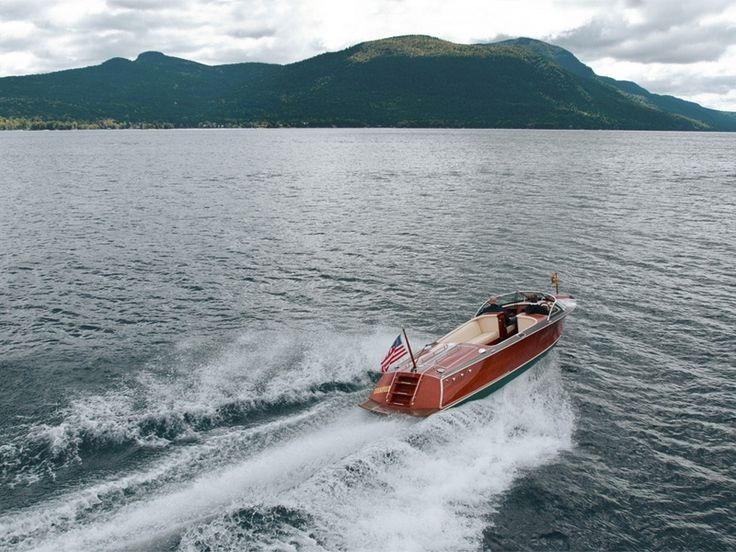 Hacker-Craft Sport boats are ideal for a family, ranging from 25 to 33 feet and offer more freeboard for comfort and sea-going qualities.