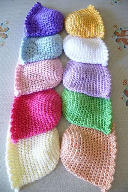 Baby hats--free pattern
