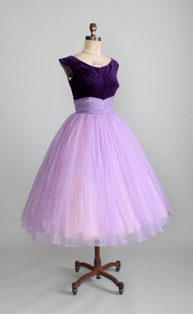 Vintage 1950s Purple Velvet and Chiffon Prom Dress. #partydress #vintage #frock #retro #teadress #romantic #feminine #fashion