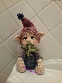This is a pattern to make a sweet, inocent, baby elf so adorable that you will want kiss him day and night!