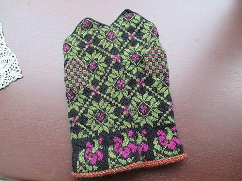Ravelry: BUHIBUHI's Latvian mittens #7
